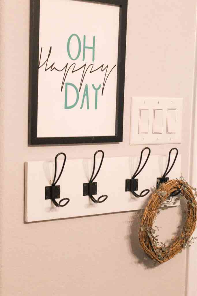 DIY Towel Rack, Modern Farmhouse Towel Rack Ideas, How to Make a Towel Hanger, DIY Rustic Towel Rack, Modern Farmhouse Towel Rack, Towel Rack Ideas for Small Bathrooms, Farmhouse Bathroom Decor, Wooden Towel Rack, Bathroom Towel Rack Ideas, Towel Hanger, Bathroom Towel Hanger, Towel Bar, How to Install or Hang Towel Rack