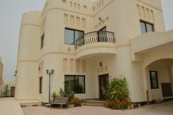 3BR FF villa for rent in Janabiyah-villa for rent Bahrain