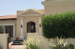 Lovely 3 BR villa with private pool for rent-Villas for rent in Bahrain