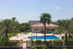 5 BR villa for rent in Janabiya
