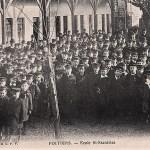 photo de rassemblement des écoliers de l'école Saint Stanislas à Poitiers vers 1908