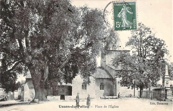 Usson-du-Poitou, Vienne 86, place de l'église
