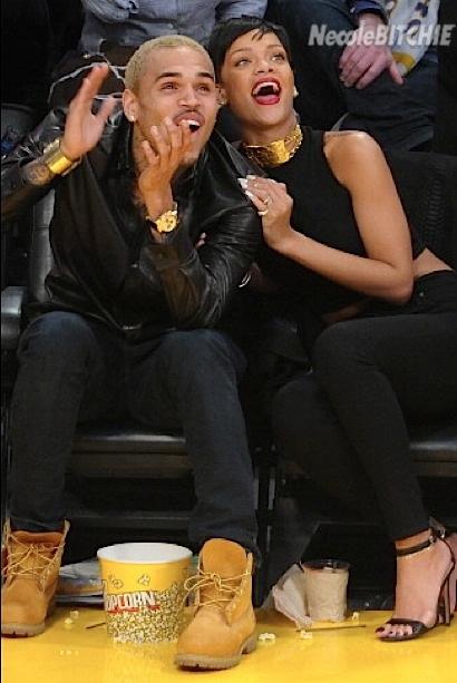 Rihanna-and-Chris-Knicks-game-jumbotron