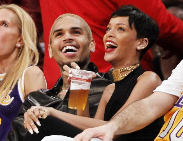 rihanna-and-chris-brown-spotted-watching-lakers-game-on-christmas-day