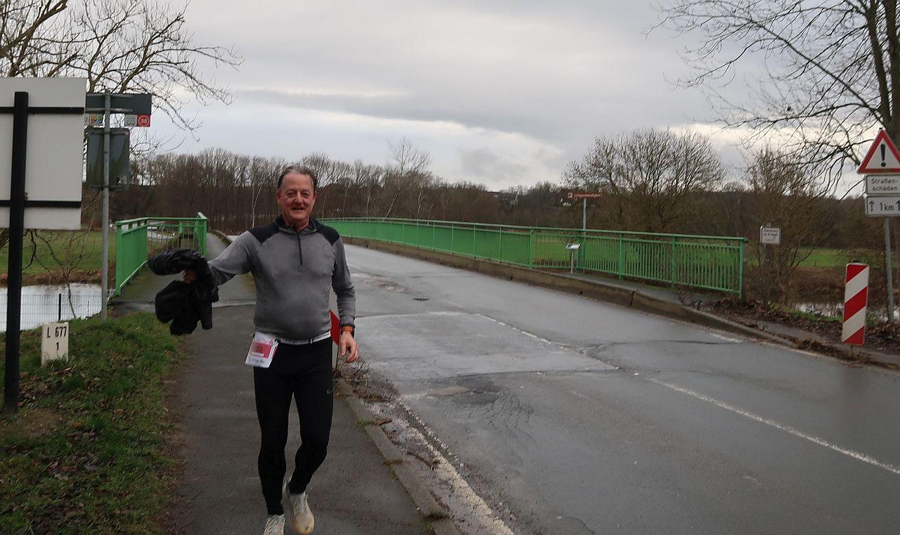Sven auf einer Ruhrbrücke