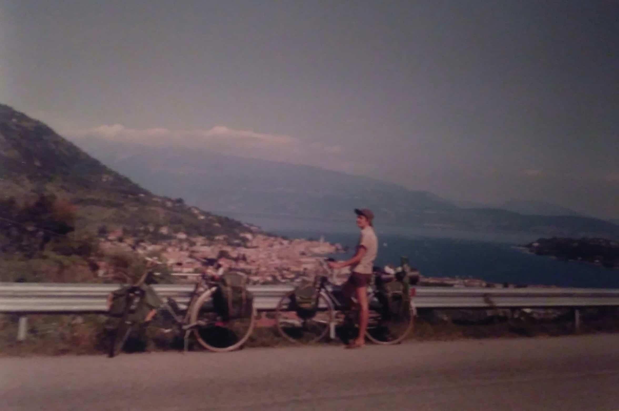 Mijn moeder op fietsvakantie met mijn vader naar Italië in 1982
