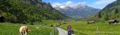 De Alpen en het Jura door-fietsen, hiken, klimmen, zwemmen en vliegen...