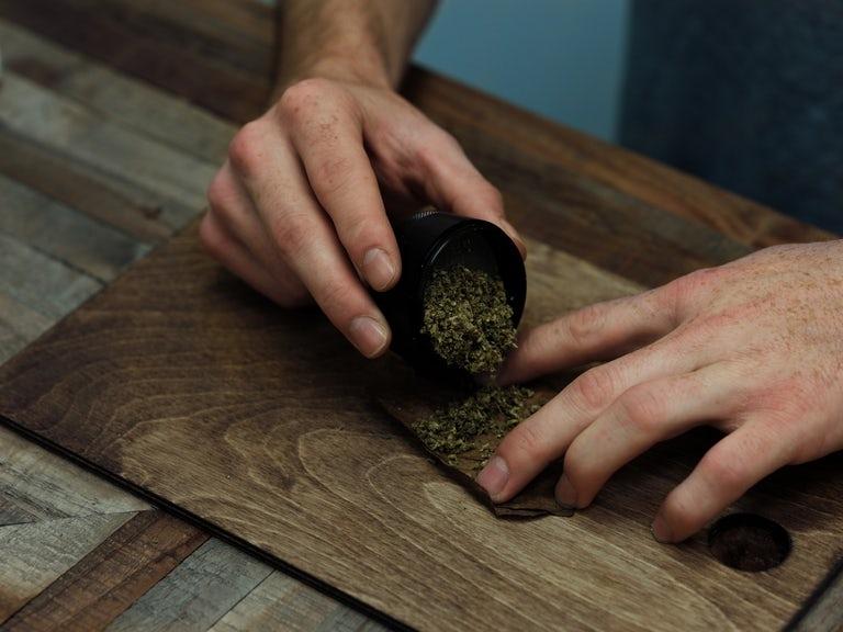 How to roll a backwood, buy backwoods online UK, backwoods for sale in UK, backwoods vanilla for sale, buy rare backwoods canada
