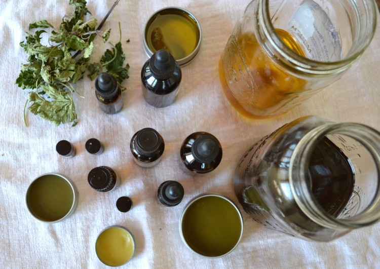 Leaning how to use Essential Oils - Safety and Dilution