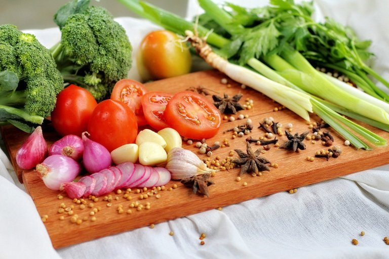 Whole Foods to treat PCOS naturally