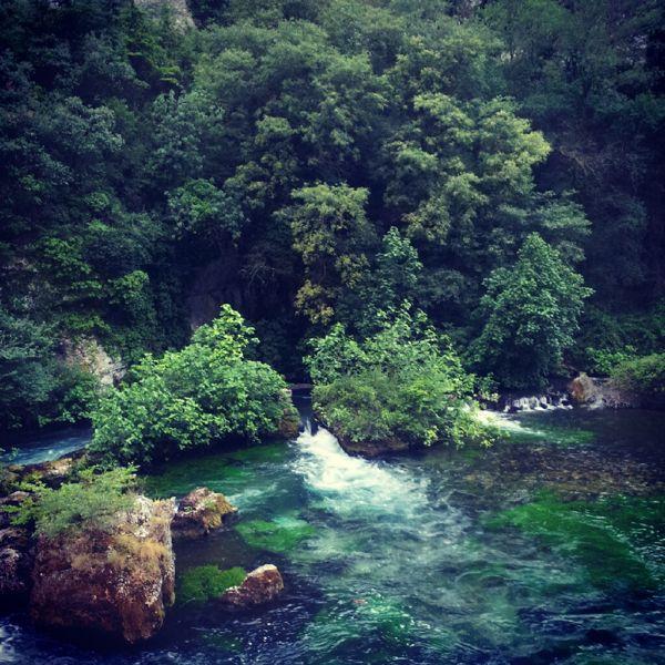 fontaine du vaucluse stream