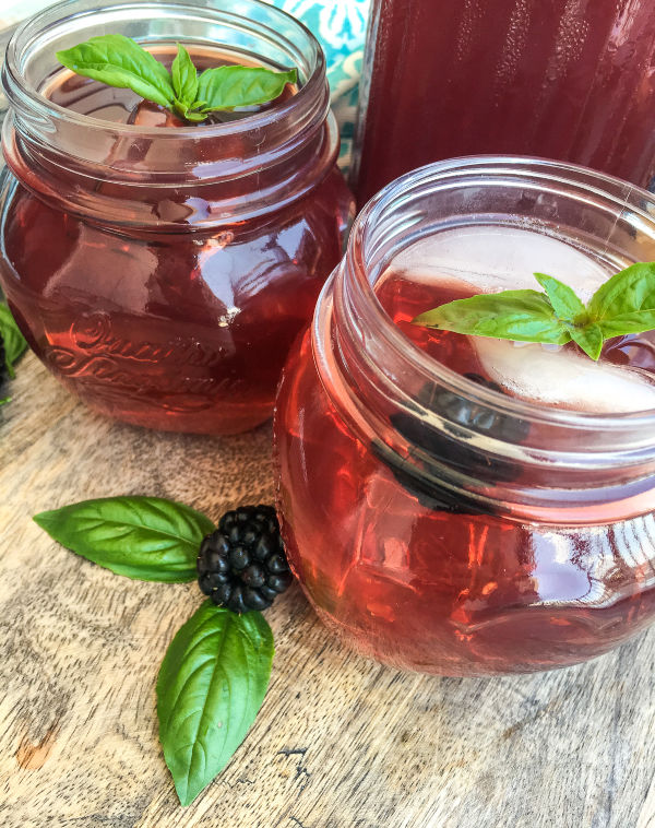 Instant Pot Blackberry Basil Iced Tea Recipe #summerdrinks