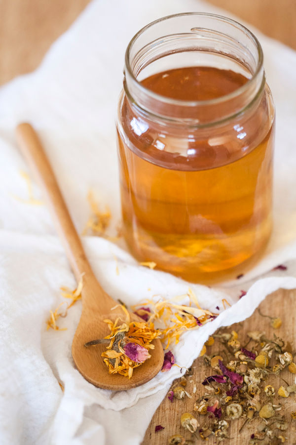 Learn how to make herbal honey as part of this free Herbal Preparations 101 online course