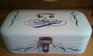 german_breadbox Special Pinstriping & Sign Painting Projects by Herb Martinez, Livermore, CA. Serving the San Francisco Bay area.