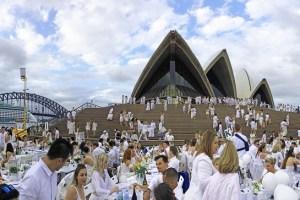 【雪梨遊記】Diner en Blanc 2015 在雪梨歌劇院 .::浪漫高雅的白色晚宴 (初次參加者攻略)::.