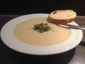 Slow Cooker - Blumenkohl-Käse-Suppe