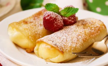 blintz with strawberry