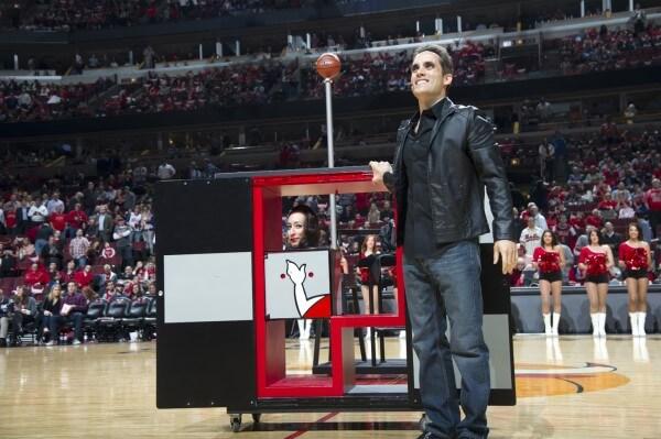 Michael Grandinetti interactive corporate magic stage