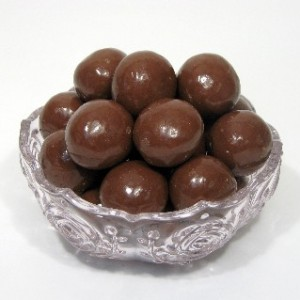 1lb_bag_double_choco_malt_balls-300x300