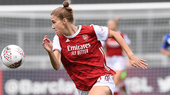 vivianne-miedema-in-action-for-arsenal