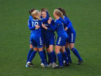 durham-women-celebrate-championship