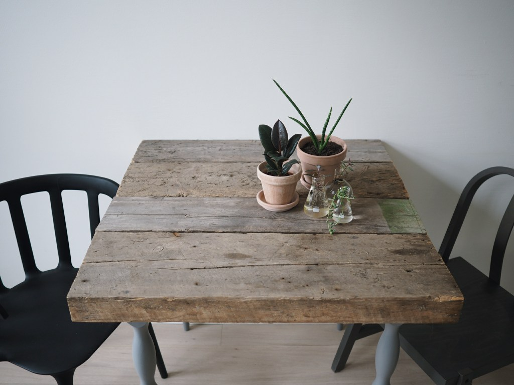 2017 05 wood coffee table diy - And Then It Happened One Lovely Day Two Days Ago To Be Exact I Found The Add On Local Web I Like To Search Pretty Much Every Day