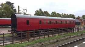 Suburban Coach M432891 - Scott Manley