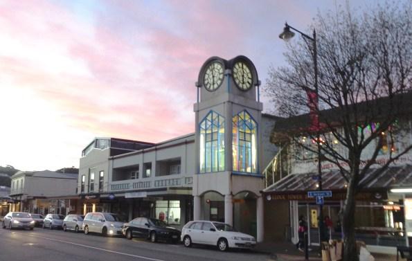 clock-with-street