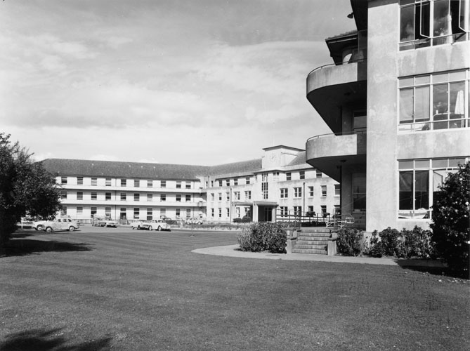 Hutt-hospital.png