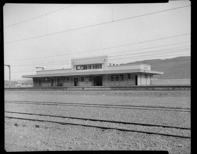 Taita-railway-station.png