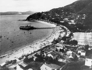 View of Days Bay towards Sunshine Bay, n.d (http://bit.ly/2kQbSVV)