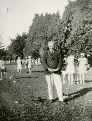Rev. J. Lopdell at the St. Stephen's Presbyterian Church picnic held in Belmont, 1930 (http://bit.ly/2yUdX82)