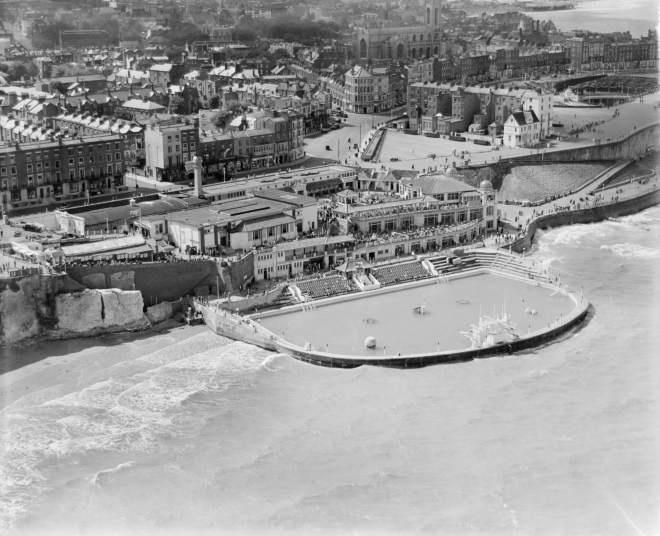 Cliftonville Bathing Pool (Margate Lido), Cliftonville, 1933 © English Heritage