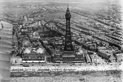 Blackpool Tower and Winter Gardens in 1919, with the Great Wheel which was removed in the late 1920s