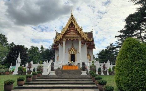 Wat Buddhapadipa, Wimbledon. Image by