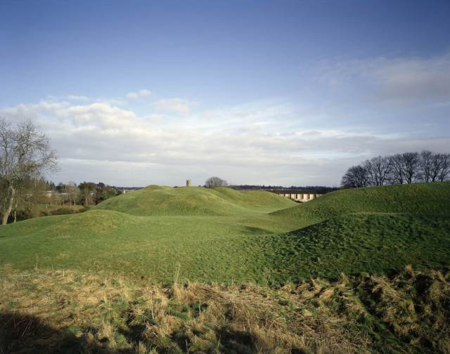 Earthwork banks at Cirencester Amphitheatre  © English Heritage Photo Library.