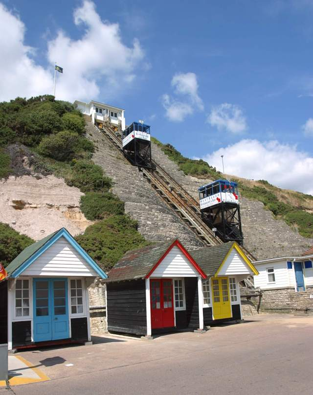 Bournemouth's visitors can rely on cliff lifts, such as the West Cliff Railway of 1908, to take them up to their hotels and lodgings after a day on the beach or in their beach huts. DP001300