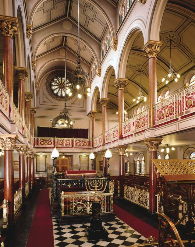 Brighton and Hove Hebrew Congregation Synagogue -  Interior, view towards the Bimah
