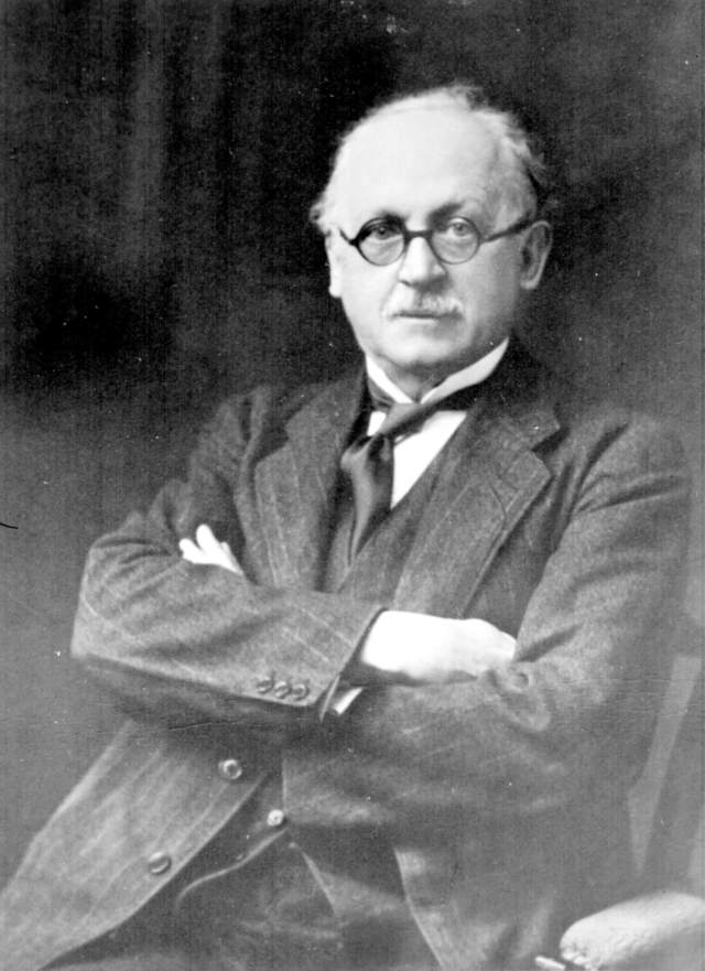 portrait of Sir Edwin Lutyens, architect https://www.flickr.com/photos/cwgc/7696612798