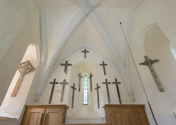 First World War battlefield crosses at St Mary the Virgin Church, Cavendish, Suffolk. © Jerry Young/Historic England/DP176674