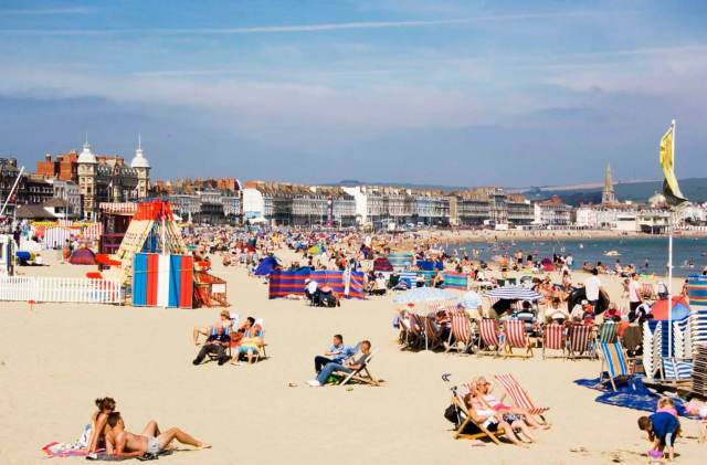 DP054532 Weymouth Beach