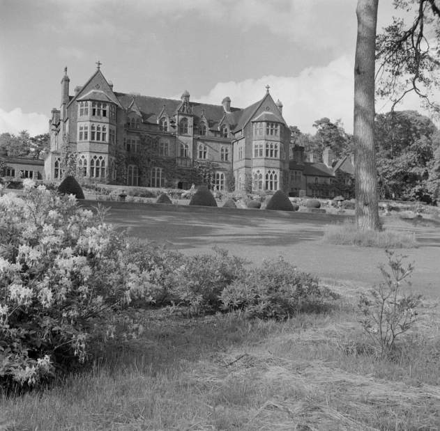 Exterior view of Knighthayes Court 1945 – 80 Wirral © Historic England Archive AA9804706