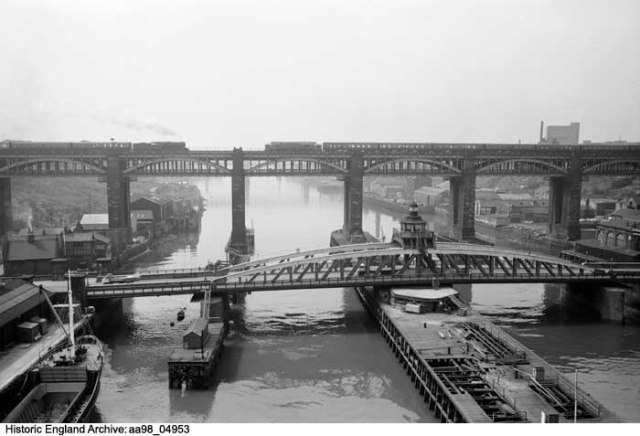 Swing bridge 1945 - 1980