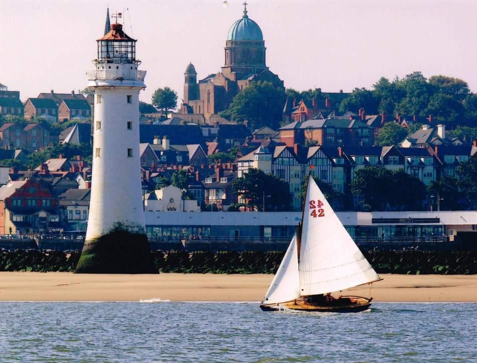 Merseyside, NEW BRIGHTON, SS Peter, Paul and Philomena (Steve Billington, 2014) #003