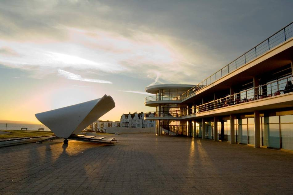 The De La Warr Pavillion with bandstand in the foreground