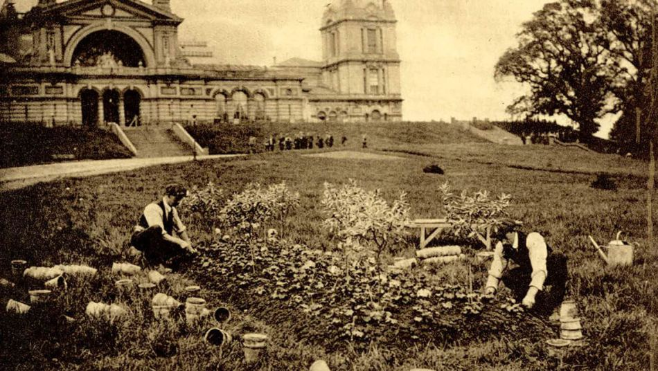 POWs work the land in front of Alexandra Palace