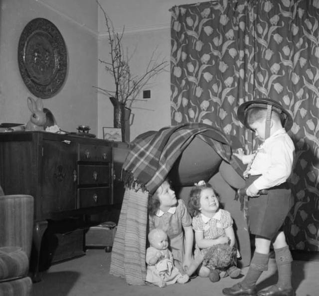 The Buckner children play a game of 'Wardens'