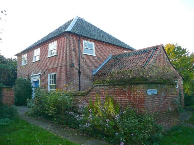 Exterior of Quaker Meeting House, North Walsham. Image by Henry Bolton via Geograph