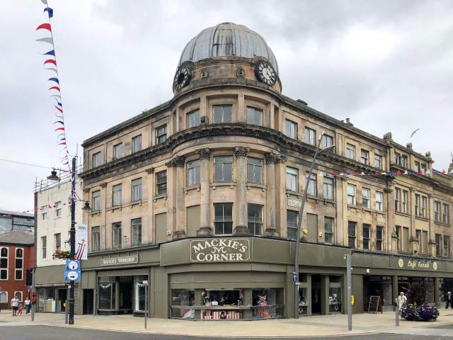 Mackie's Corner and Hutchinson's Buildings today © Matt Storey