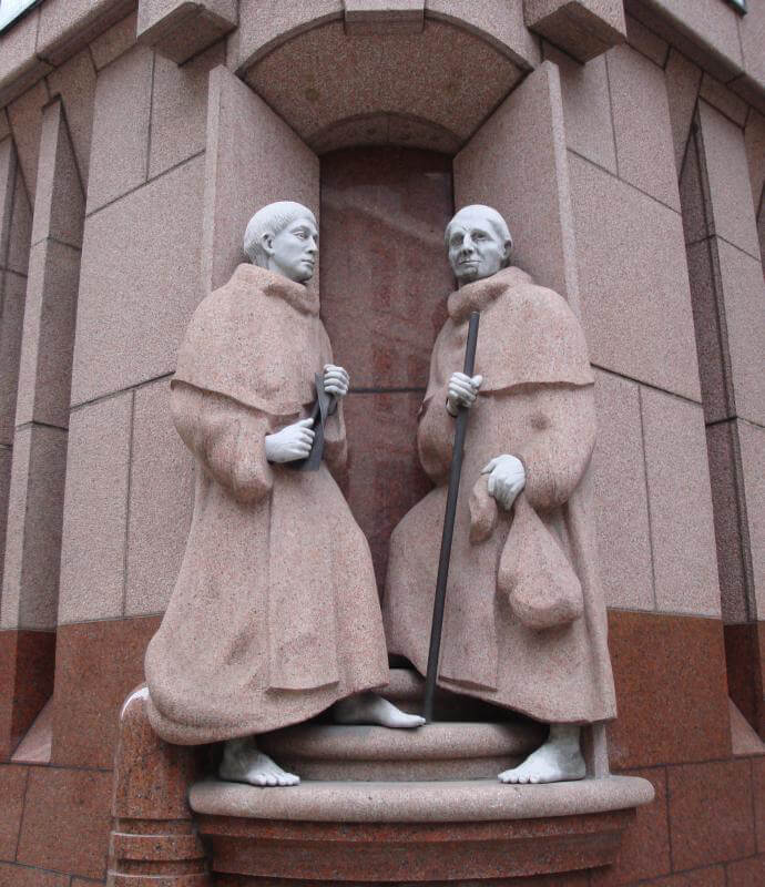 Figures of two Crutched Friars